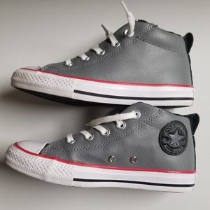 NWOT Converse Street Mid Leather Sneakers Size 1